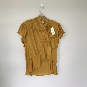 NWT ! Max Studio Ruffle shirt sleeve blouse
